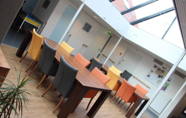 Tafels en stoelen Dagcentrum De Lockhorst Didam