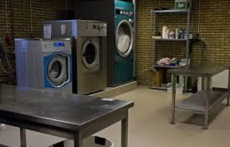 Ruimte met wasmachines